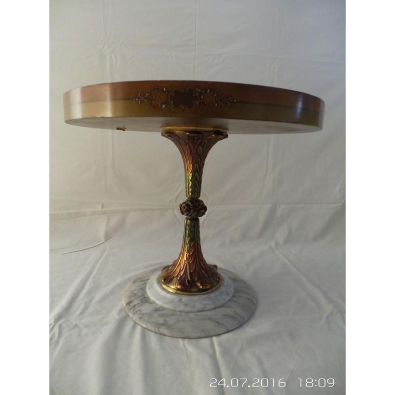 mesa redonda pie de metal