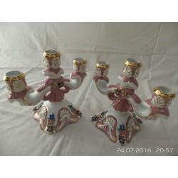 Conjunto candelabro cerámica antiguo de tres brazos color rosa y blanco con detalles