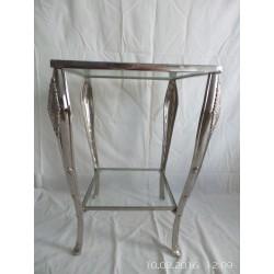 Mesita de metal cromado con cristal