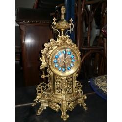 Reloj de bronce alto
