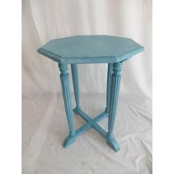 Mesita redonda de madera pintada azul
