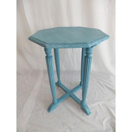Mesita auxiliar de madera pintada en azul turquesa,