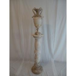 Columna y jarrón de alabastro